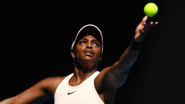 Stephens survives in Acapulco