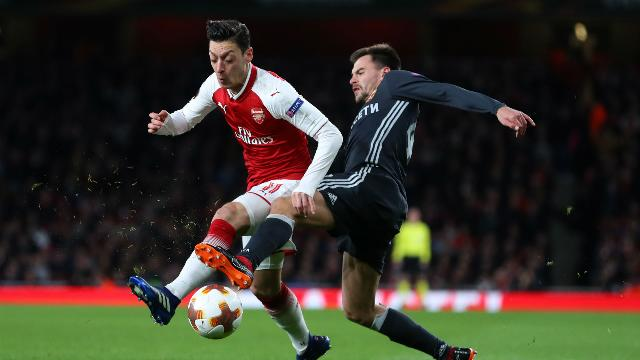 Ozil can get better - Mertesacker