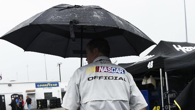 Rain postpones Food City 500