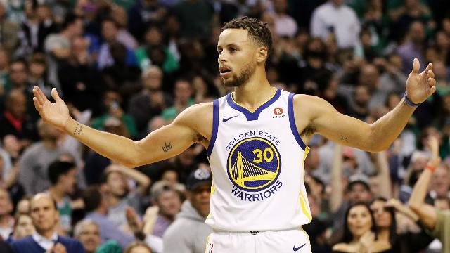 Curry suffers MCL sprain in NBA